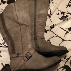 Grey wide calf boots size 8m